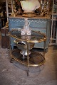 Old oval bar / 