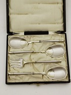 P Hertz serving 